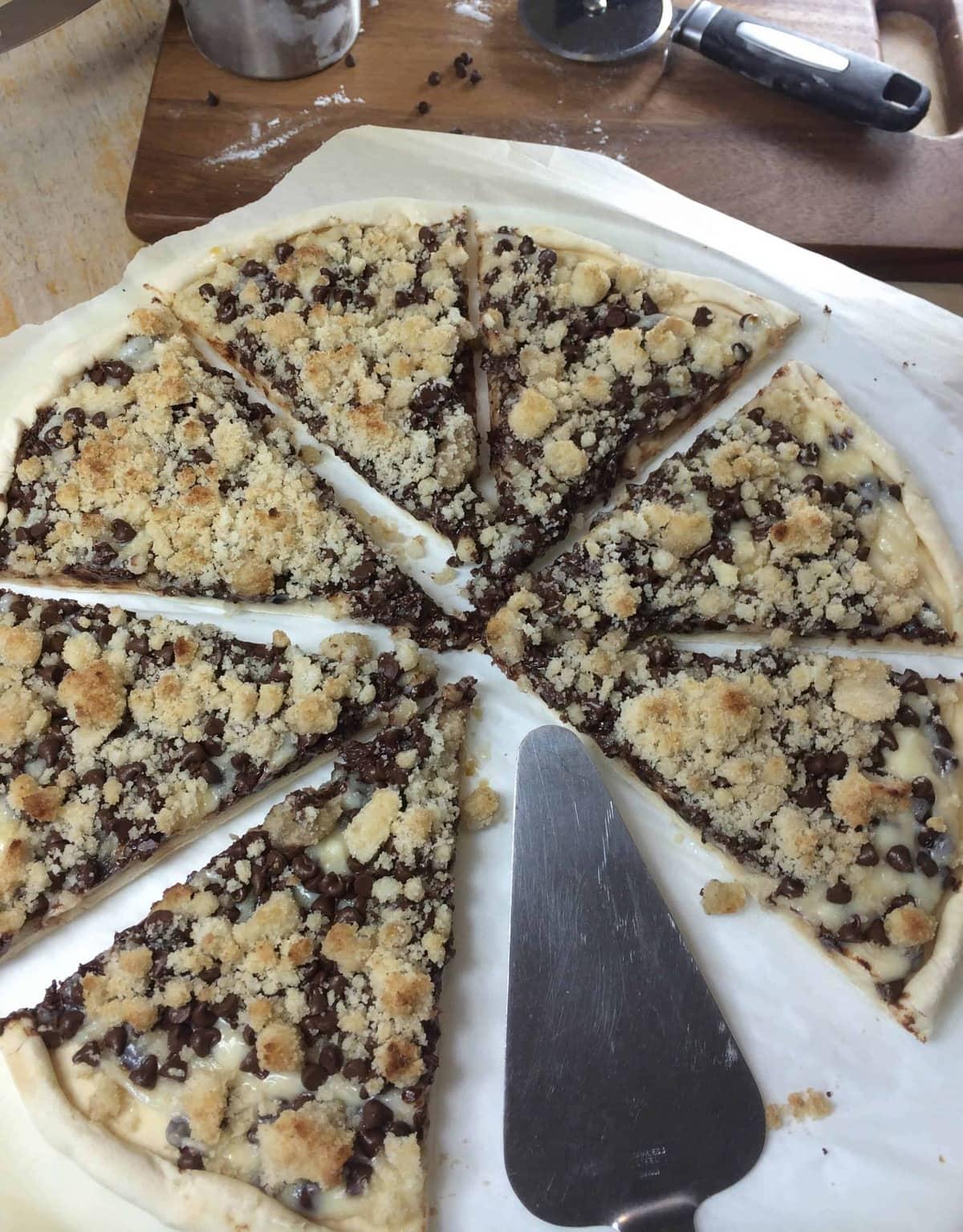 chocolate chip pizza_