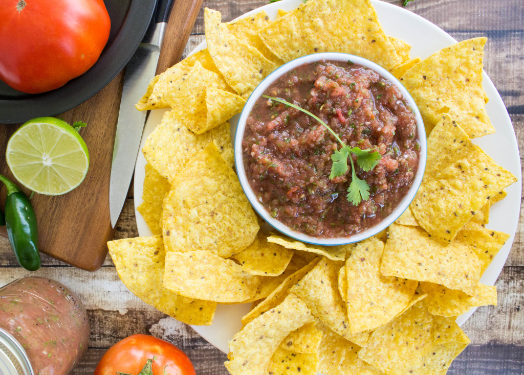 Easy fresh blender salsa--Restaurant Style!