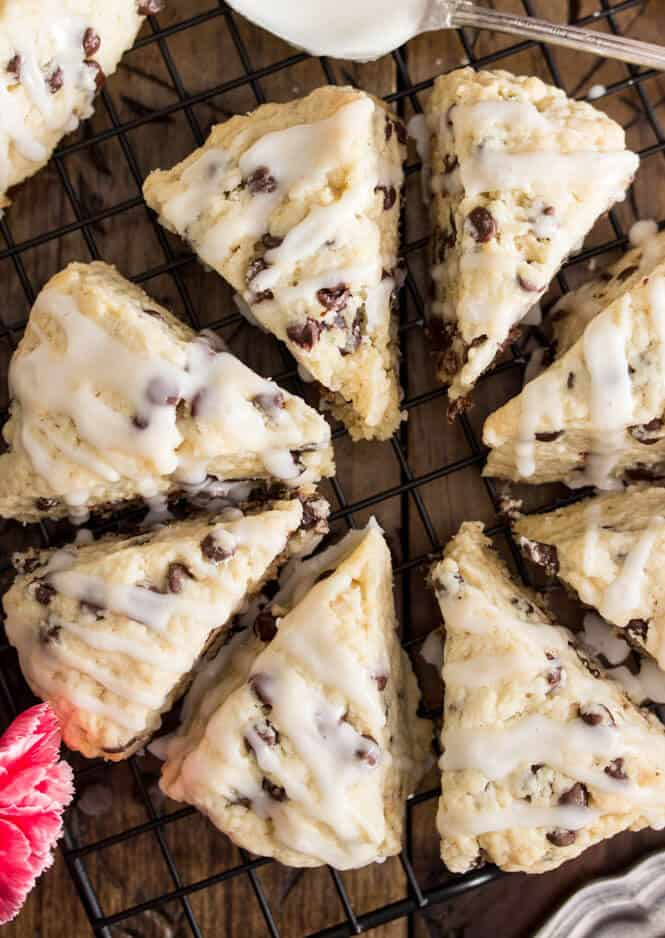 Mini chocolate chip scones -- these are so light and buttery! || Sugar Spun Run