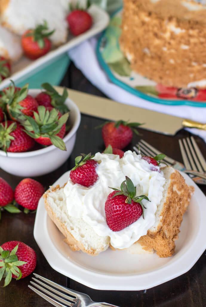 (The Best!) Classic Angel Food Cake Recipe