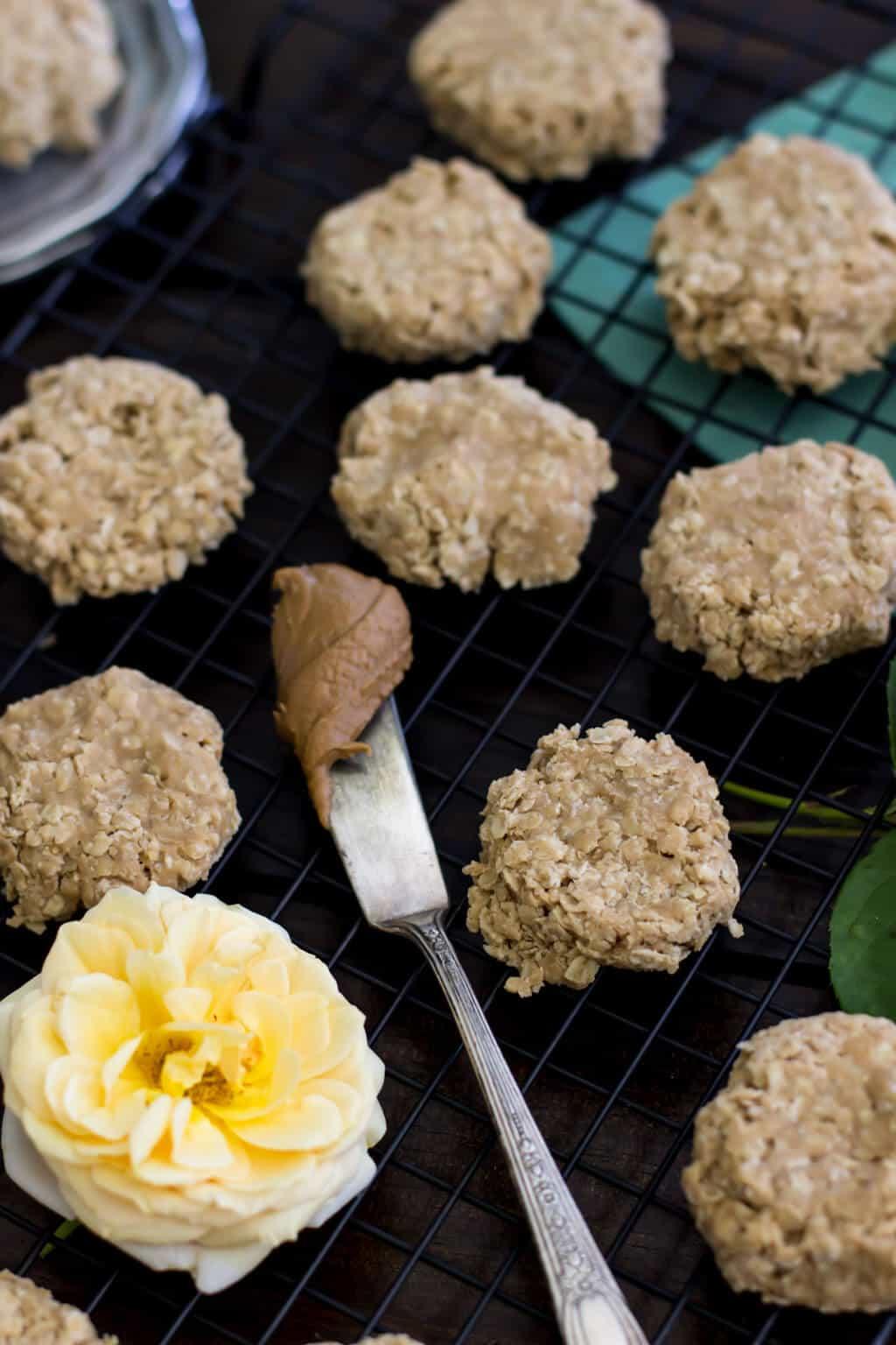 Cookie Butter No Bake Cookies - Speculoos Cookies || SugarSpunRun